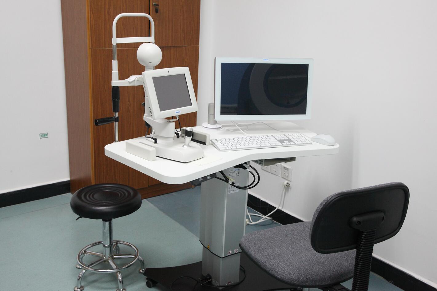 美国爱尔康VERION手术导航系统